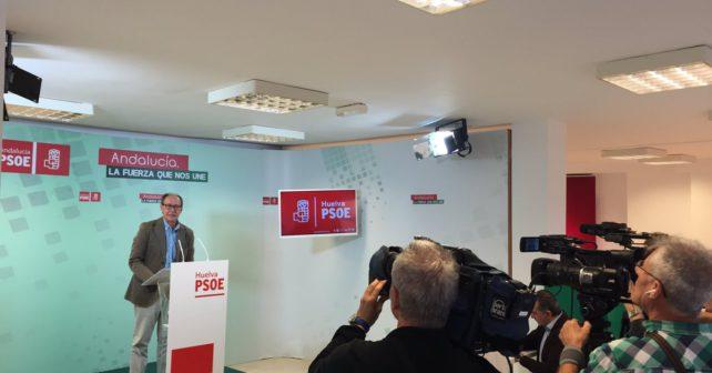 José Juan Díaz Trillo en la sede del Partido Socialista