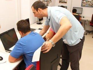 Los Centros Guadalinfo quieren mostrar como las tecnologías de la información y la comunicación (TIC) pueden ser una útil herramienta para reivindicar, promocionar, disfrutar y celebrar el libro y la cultura