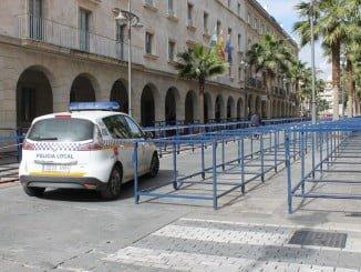 La plantilla de la Policía Local contará con el apoyo de 30 vehículos, 13 motocicletas y 200 vallas
