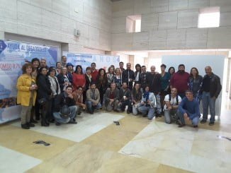 Mª Eugenia Limón ha visitado la exposición junto a representantes de las ONGDs y algunos de los voluntarios