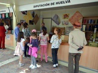 El acto de donación se hará en el recinto de la Feria del Libro de Huelva, en la plaza de las Monjas, el lunes