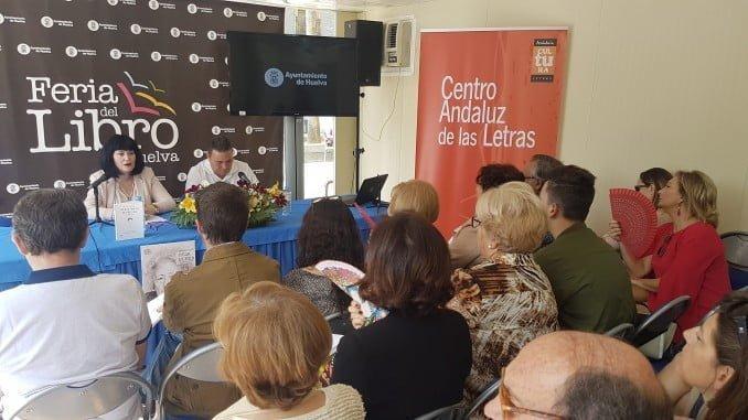 El Día del Libro ha girado en torno a la poeta andaluza Julia Uceda