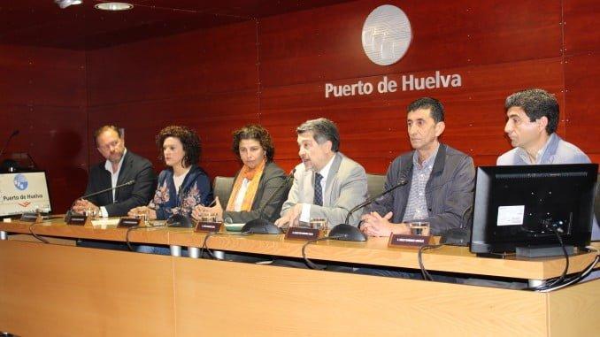 """El presidente del Puerto de Huelva, Javier Barrero, ha dado la bienvenida a los asistentes y ha destacado al puerto onubense como""""parte indispensable del ecosistema industrial de Andalucía"""