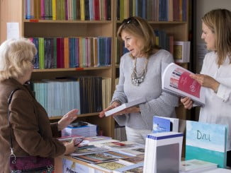La Feria del Libro acoge este domingo una jornada muy intenta