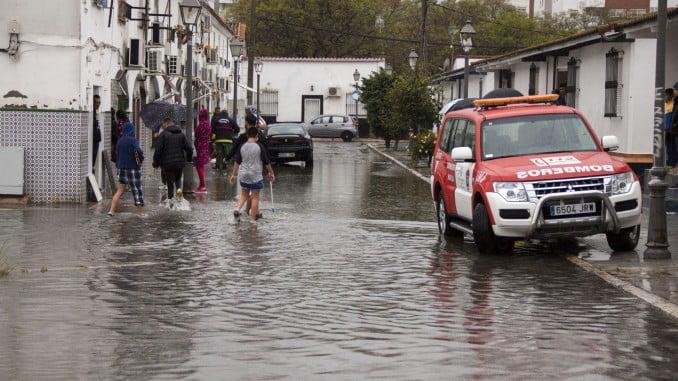 La fuerte lluvia ha provocado numerosas inundaciones y problemas circulatorios en la capital