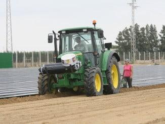 Esta vez no ha sido la campaña agrícola la que ha tirado del desempleo, sino Servicios e Industria