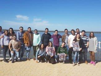 La Red Joven de Apoyo a la candidatura de Susana Díaz en Huelva se ha presentado en el Paseo de la Ría
