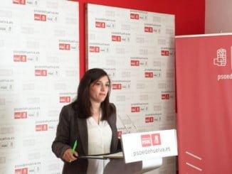 La socialista María Márquez ha explicado el nuevo decreto-ley para favorecer la escolarización en Primaria