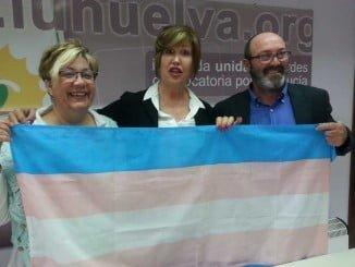Monica Rossi, Mar Cambrolle y Pedro Jiménez en la sede de IU