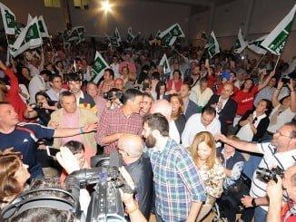 Más de 500 militantes han arropado a Sánchez en el acto celebrado en el centro social de La Orden
