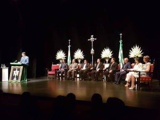 Pregón a la Santa Cruz de la Calle Cabo de La Palma del Condado en el Teatro España de la Palma del Condado