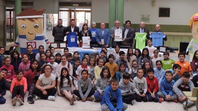 El Colegio García Lorca ha acogido la presentación de esta carrera solidaria