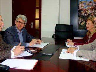 Reunión de la Cátedra Aiqbe, en la que se han decidido los Premios de Investigación