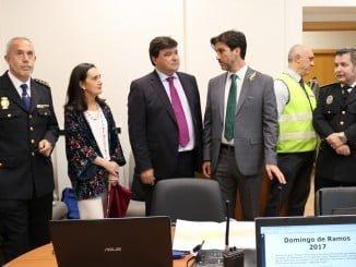 La subdelegada visita junto al alcalde el Centro de Control Operativo, ubicado en el Ayuntamiento.