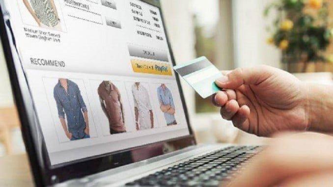 Con la llegada de las compras online, los hombres han ido recuperando el poder de decisión en sus compras de ropa