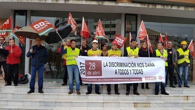 Delegados sindicales se han concentrado para reclamar mayor seguridad laboral