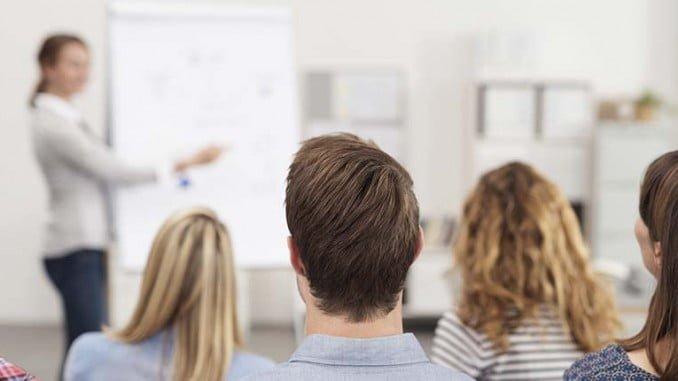 La acción se destina a onubenses que cursan Formación Profesional y ciclos de grado medio y superior