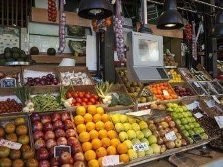 Se encarecen las frutas frescas y el pescado fresco