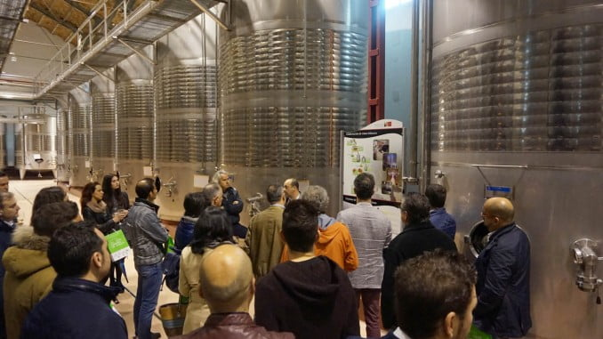 Visita de los restauradores de la Asociación Provincial de Hostelería de Huelva al Centro del Vino