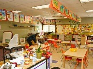 CSIF señala que la calidad de los servicios prestados en el sector educativo siempre se ha basado en la profesionalización de los empleados públicos que realizan sus funciones en los centros propios