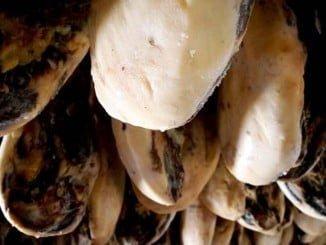 Los Jamones Eíriz se caracterizan por su aroma y sabor de esta empresa centenaria