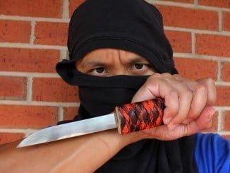 El joven atemorizaba a los viandantes con un cuchillo de grandes dimensiones