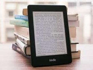 La lectura digital arrasa, pero muchos lectores continúan devorando libros impresos al mismo tiempo
