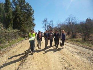 El presidente de la Diputación ha visitado con el alcalde de Fuenteheridos las obras de la carretera