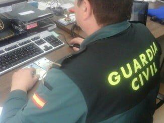 Agentes de la Guardia Civil detuvieron al menor con los 40 euros tras una persecución
