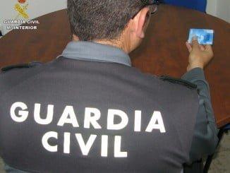 La Guardia Civil ha recuperado la tarjeta de crédito tras detener a los autores del robo