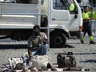 La venta ambulante ilegal atenta contra los consumidores y las pymes de Huelva