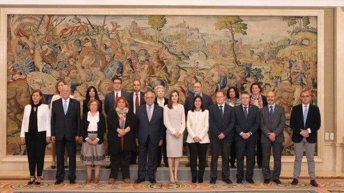 La Reina Letizia recibe representantes de las organizaciones sociales que participan en el proyecto Movilización Social frente al Consumo de Alcohol por parte de menores