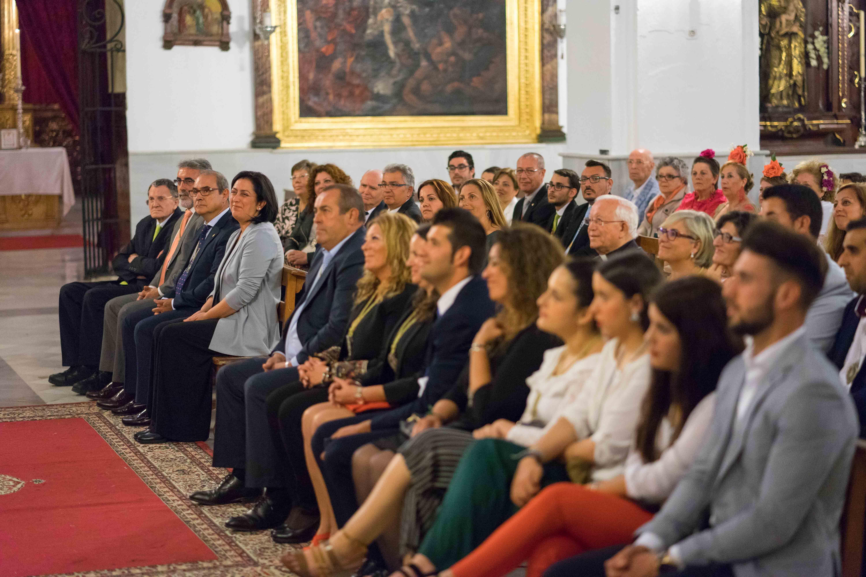 Muchas personas asistieron al pregón de la Hermandad del Rocío en Ayamonte.