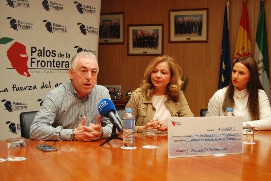 Rueda de prensa de la entrega del talón por la Comunidad de Regantes a la Hermandad del Rocío.