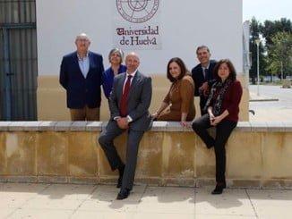 Foto con su equipo de García Machado.