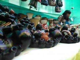 Junto a la compra y venta de productos artesanos, se van a poner en marcha actividades dirigidas a valorizar el trabajo que llevan a cabo las propias artesanas