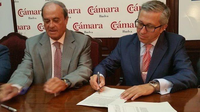 Antonio Ponce y Nicolás Suárez-Cantón rubrican el acuerdo