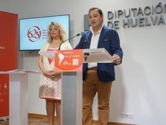 La diputada de Cultura y el presidente de los hosteleros de Huelva han presentado 'América en el menú'
