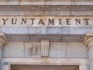 El Ayuntamiento de la capital suspende provisionalmente el cobro del impuesto de plusvalía