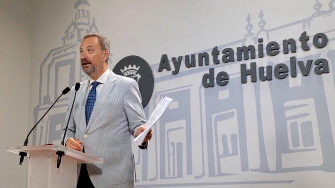 Gómez Márquez explica las alegaciones que el Ayuntamiento presenta contra el proyecto de Fertiberia