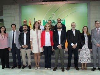 Ortiz preside la firma de un convenio con los Grupos de Desarrollo Rural para la gestión de los incentivos