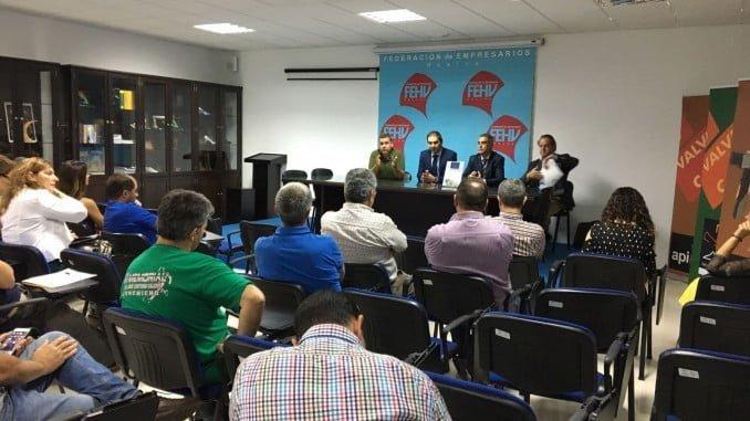 En Valverde se ha celebrado ya un primer encuentro para informar a los empresarios del Calzado sobre las próximas ferias del sector en Europa