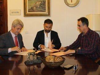 La Fundación Cepsa y el Patronato Municipal de Deportes de Moguer han suscrito un nuevo convenio de colaboración