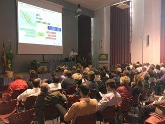 Más de 100 personas se han dado cita hoy en la jornada técnica organizada por Agrovegetal en las instalaciones de la cooperativa onubense Campo de Tejada, de Escacena del Campo