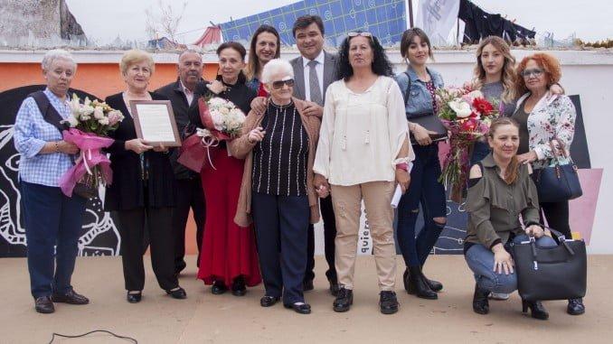 El alcalde junto a los integrantes de las Jornadas Vecinales de La Navidad