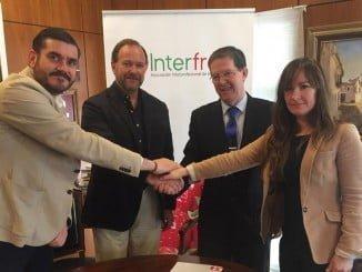 Los paradores de Ayamonte y Mazagón e Interfresa cierran un acuerdo para promocionar las fresas