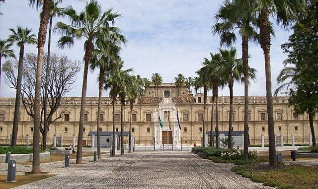 Fachada del Parlamento andaluz