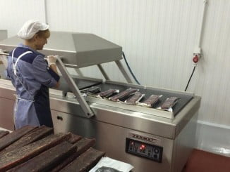 La empresa Pescatún ha duplicado el volumen de atún manipulado para mojama