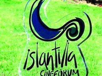 Durante los meses de julio y agosto, el enclave turístico de Islantilla se convierte en espectáculo de cine