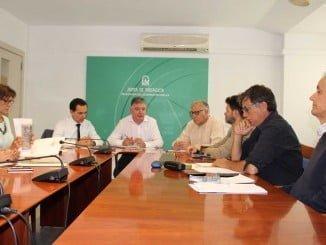 El delegado del Gobierno de la Junta preside una reunión para buscar una solución al vertido de la mina
